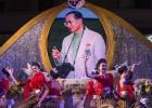 Tailandia celebra el cumpleaños de su rey con nuevos casos de censura
