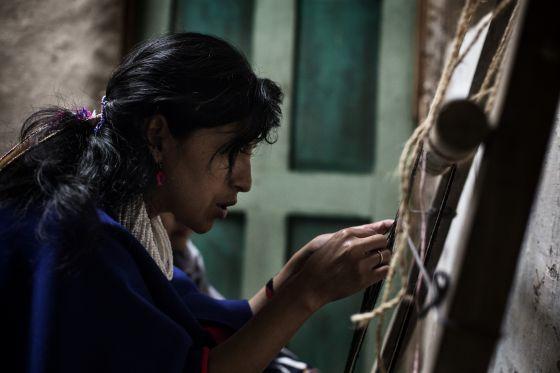 Jacinta, de 39 años, es parte fundamental de EnRedArte, la red de tejedoras de La Casa del Agua.