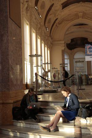 Trabajando en el Petit Palais durante el encuentro Earth To Paris.