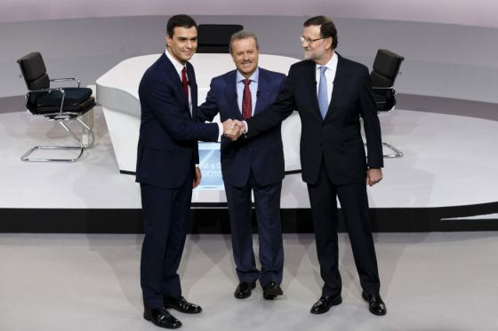 Mariano Rajoy, a la derecha, y Pedro Sánchez, a la izquierda