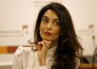 Amal Clooney becará a mujeres libanesas