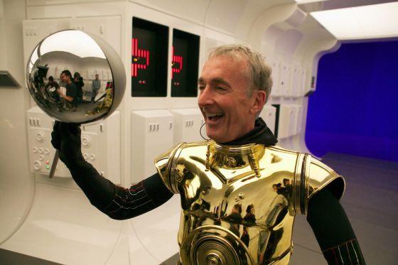 Anthony Daniels, el hombre detár (o debajo) de C-3PO.
