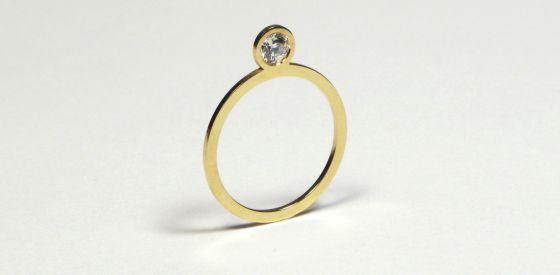 Anillo New Flat Diamond diseñado por Marc Monzo.