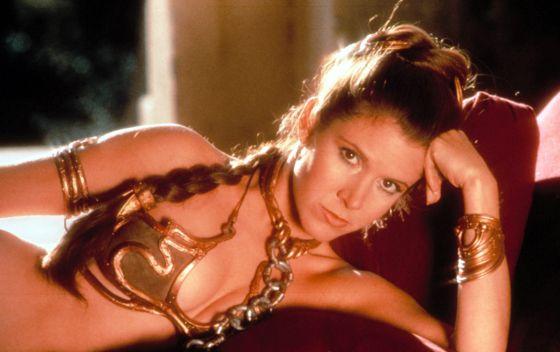 La actriz Carrie Fisher, caracterizada como la princesa Leia, en 1983.