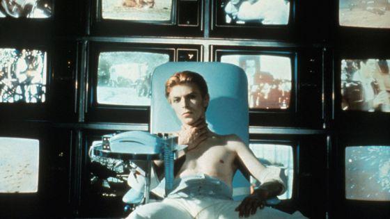 Bowie en un fotograma de la película 'The man who fell to Earth' (1976)