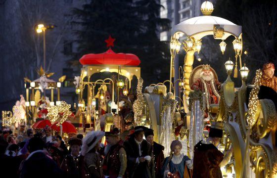 Carrozas en la cabalgata de Reyes de Madrid en 2015.