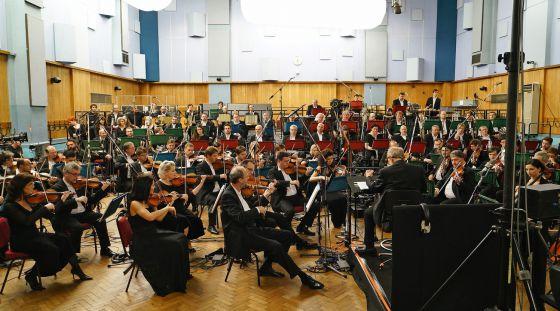 En Abbey Road, concretamente en el Estudio Tres, Quentin Tarantino asistió a una sesión dirigida por Ennio Morricone de la música de su película 'Los odiosos ocho'.