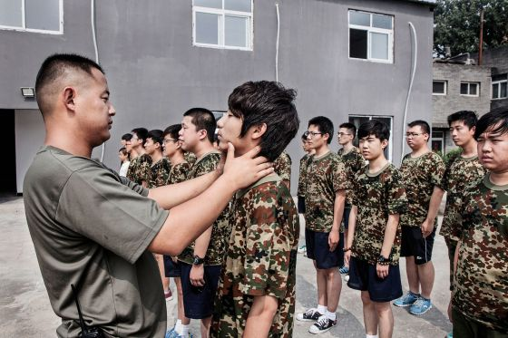 Una imagen del Daxing Internet Addiction Treatment Centre, en China, donde los reclutas son desintoxicados de Internet con disciplina militar.