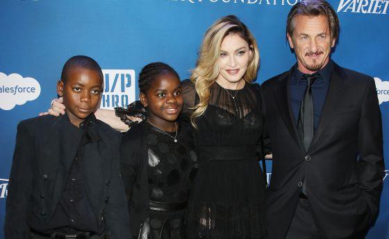 Madonna, con sus hijos menores y Sean Penn.