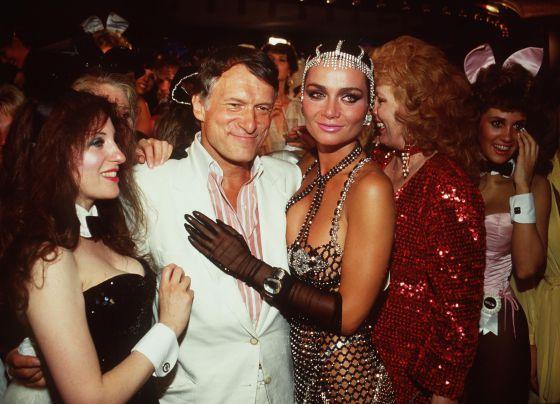 Hugh Hefner en una fiesta en la mansión de Playboy, en 1999.