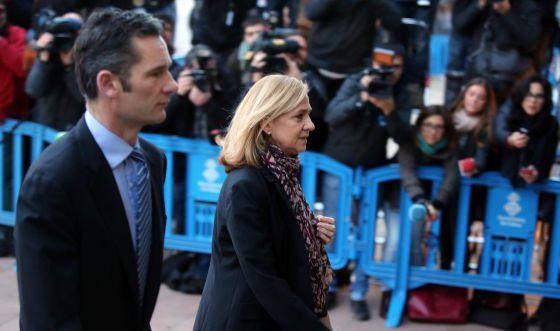 Urdangarín y la infanta cristina, el lunes en Mallorca.  ULY MARTÍN