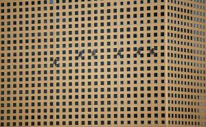 Trabajadores en un edificio de Corea del Sur, donde la tasa de suicidios es la segunda más alta del mundo.