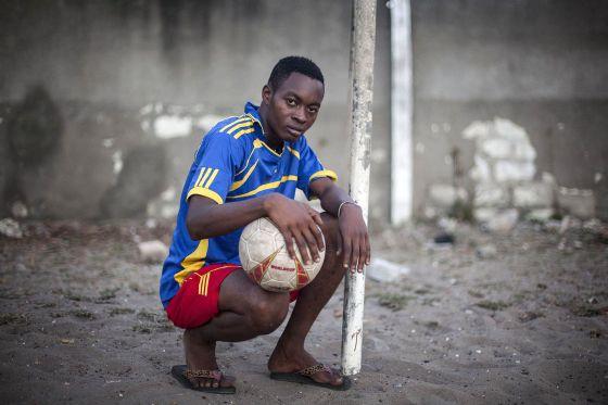 El equipo de fútbol creado por un educador del barrio pretende convertirse en una academia profesional
