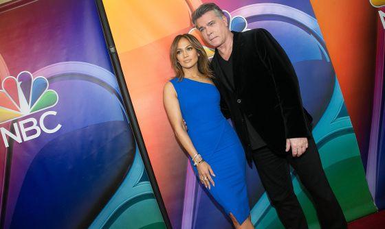 Jennifer Lopez y Ray Liotta, en la presentación de 'Shades of Blue'.