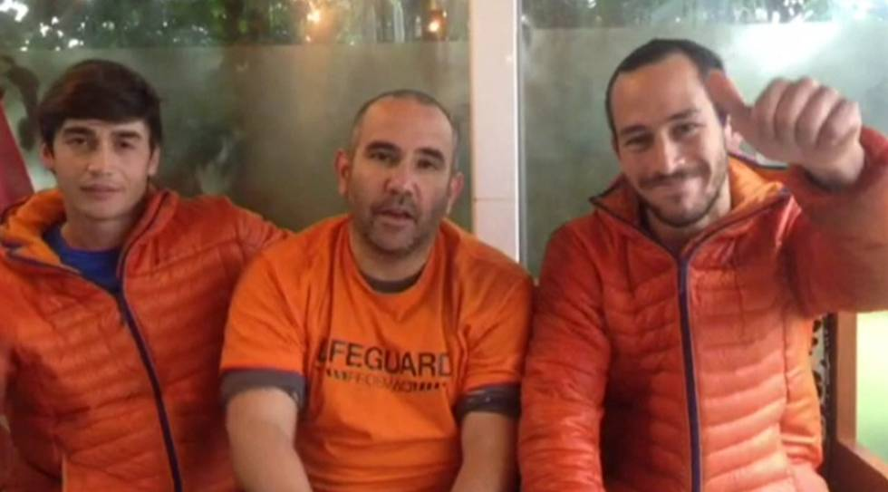 Freed Spanish firefighters Enrique González, Julio Latorre and Manuel Blanco.rn