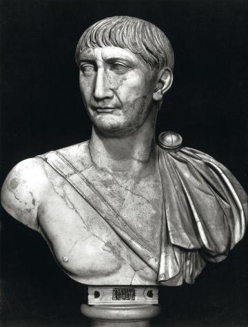 Busto de Trajano.