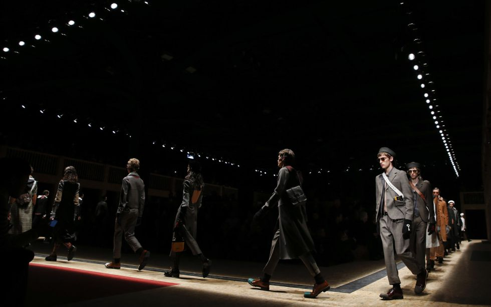 Desfile de los modelos de la colección de Prada durante la Semana de la Moda de MIlán.