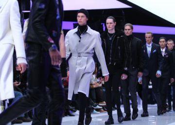 Hombres elegantes, estilosos y seguros