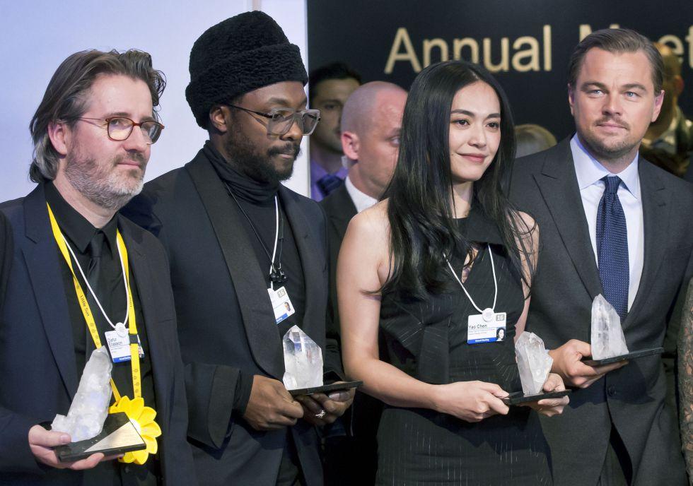 Los premiados con el Cristal Award, desde la izquierda: Olafur Eliasson, William Adams, Yao Chen y DiCaprio.