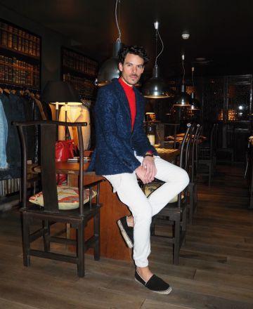 Juan Avellaneda, el diseñador barcelonés que presenta su colección estos días en Paris.