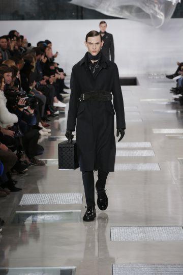 La colección de Vuitton es un master en lujo y estética militar.