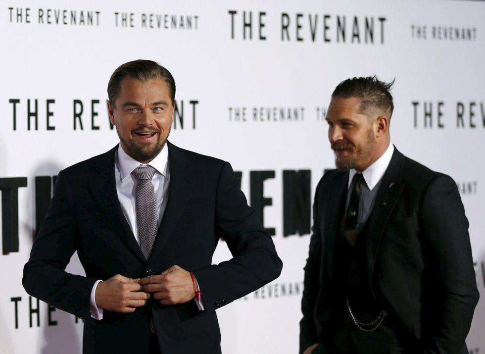 Leonardo DiCaprio y Tom Hardy, en el estreno de 'El renacido'.
