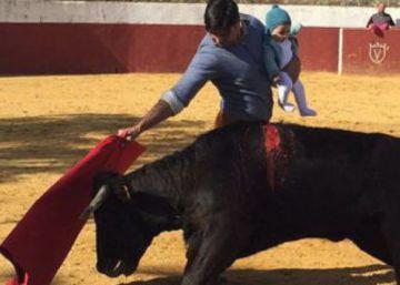 Francisco Rivera expone a su hija ante una vaquilla