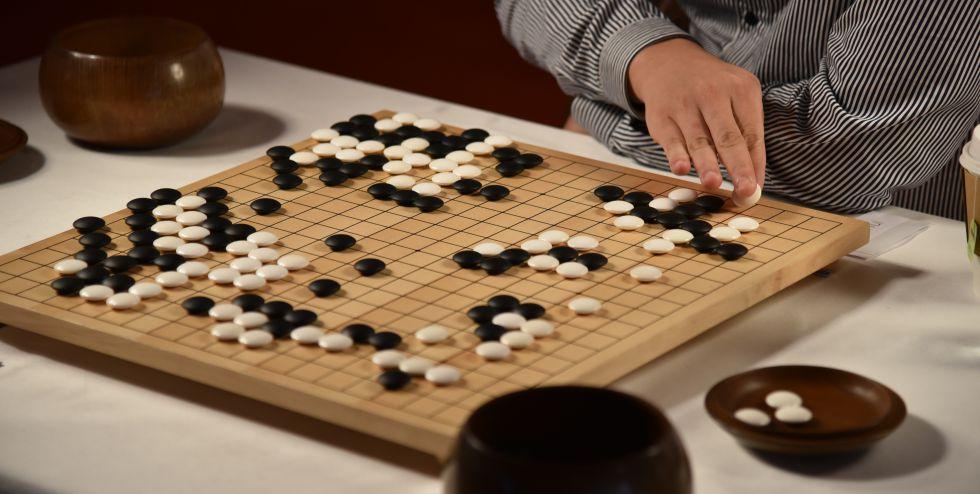 Una de las partidas entre el campeón Fan Hui y el programa 'AlphaGo'