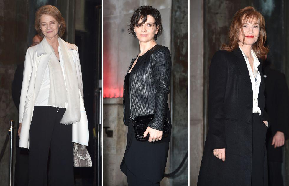 De izquierda a derecha: las actrices Charlotte Rampling, Juliette Binoche e Isabelle Huppert a su llegada al desfile de Armani.