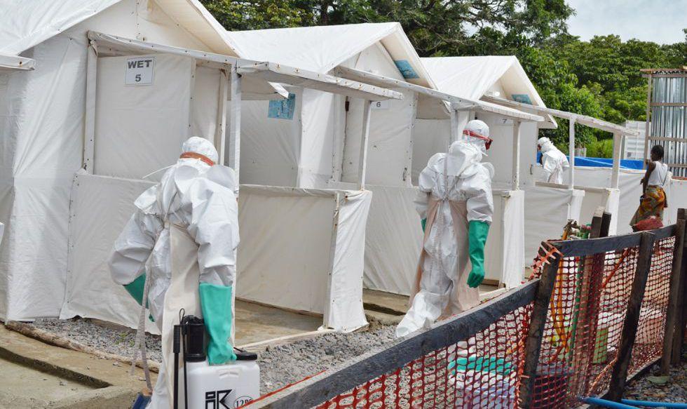 'Zona roja' de tratamiento de ébola en Kabala (Sierra Leona).rn rn