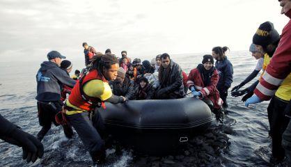 Llegada de migrantes en Skala, al norte de la isla griega de Lesbos.