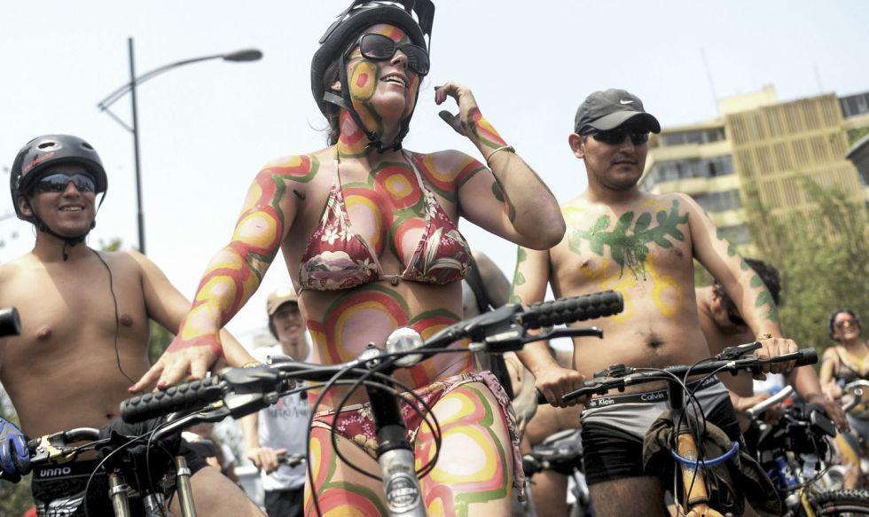 En toda América Latina, la bicicleta es usada por hombres y mujeres. Pero en Uruguay son más las mujeres.