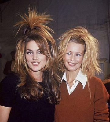 Cindy Crawford y Claudia Schiffer en la década de los 90.
