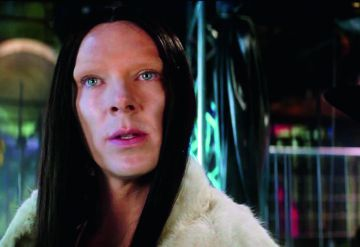 El relevo generacional de Derek y Hansel en la nueva entrega. Es Benedict Cumberbatch maquillado para parecerse a Marilyn y ha provocado protestas por transfobia.