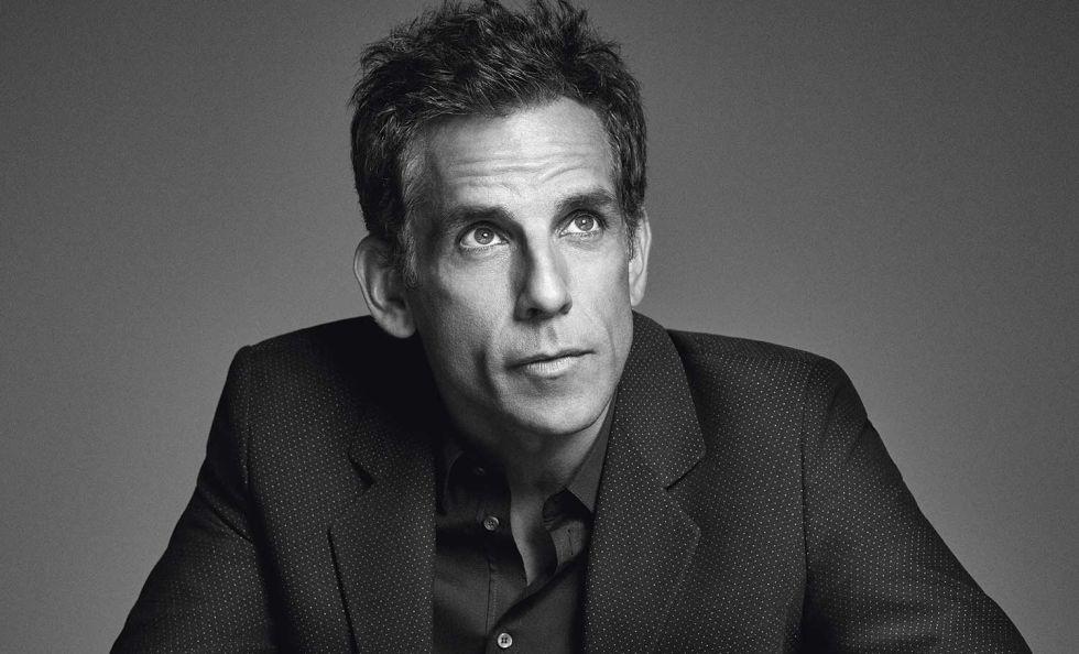 Ben Stiller posa para ICON en Nueva York. Viste chaqueta Emporio Armani y camisa Dolce & Gabbana.