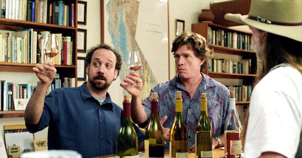 Los actores Paul Giamatti y Thomas Haden Church, catadores de vino en la película 'Entre copas' (2004).