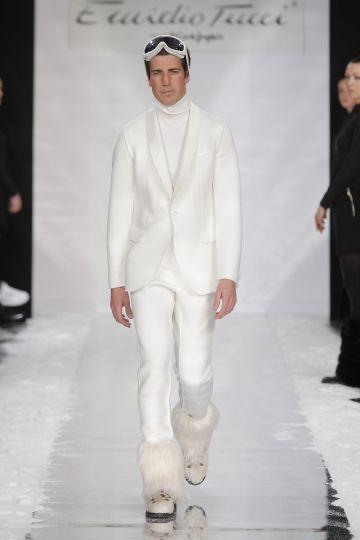 Emidio Tucci y su 'look' blanco polar (gafas de ventisca y marca de moreno incluidas).