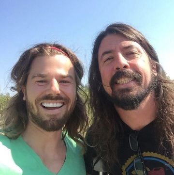Desde Seattle con amor: Dan Price y Dave Grohl.