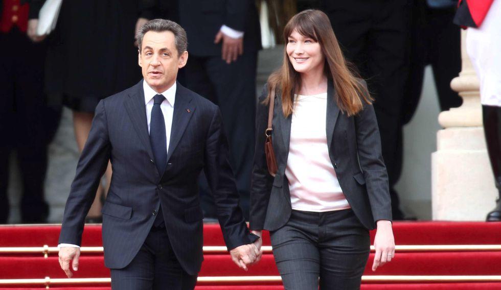Nicolas Sarkozy y Carla Bruni en la investidura de François Hollande.
