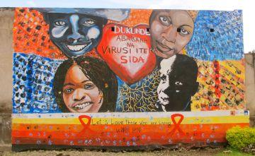 Un mural contra el estigma del VIH.
