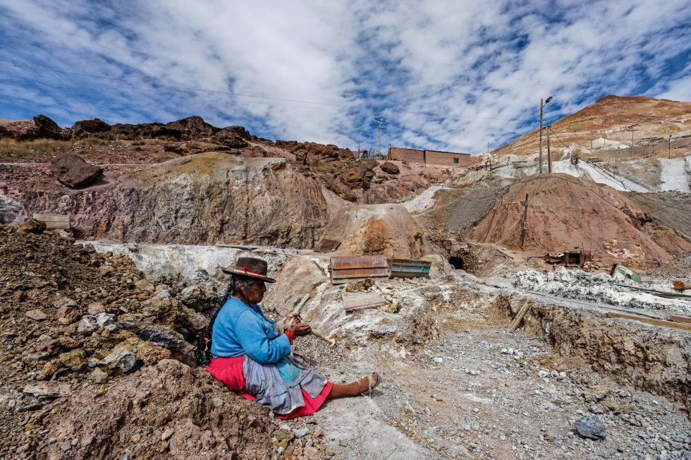 El Cerro Rico, en Potosí (Bolivia), se ha convertido en un gran parque temático de desigualdad y miseria a más de 4.000 metros de altitud.