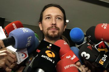 Podemos leader Pablo Iglesias wants to get back into the center of negotiations.