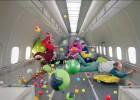 Fotograma del videoclip 'Upside Down & Inside Out', de OK Go.