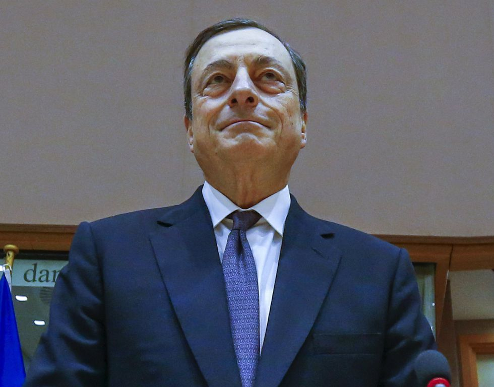 Mario Draghi, presidente del BCE, antes de comparecer ante el Parlamento europeo