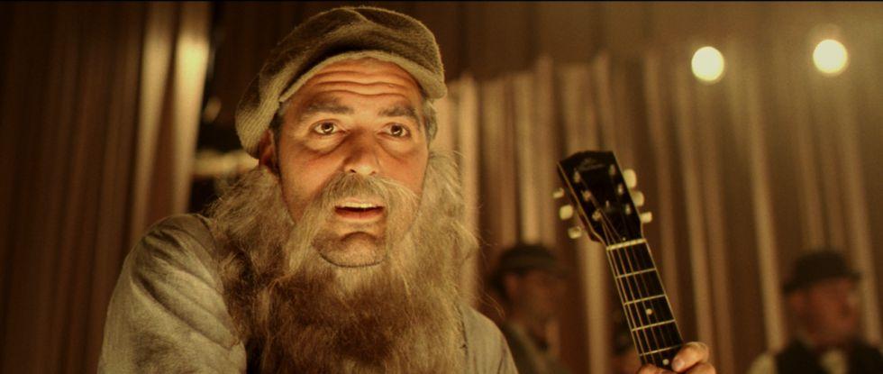 George Clooney, con barbas y a lo loco, en una de las escenas de 'Oh Brother!