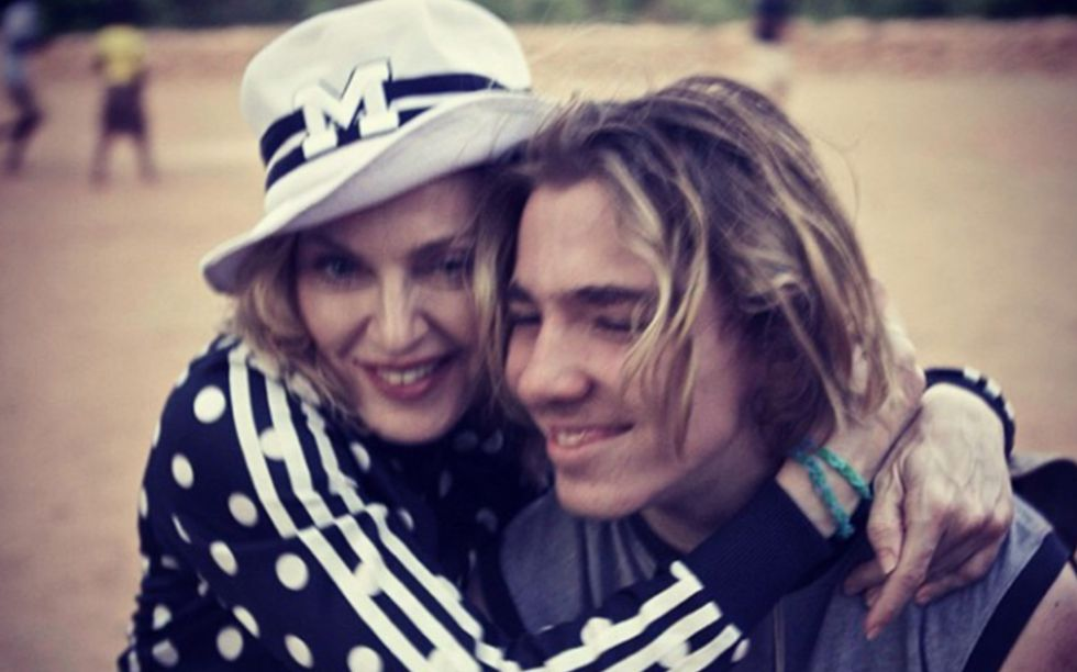 Madonna y su hijo Rocco.