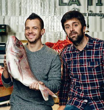 El cocinero Dabiz Muñoz y su pescadero Diego García.