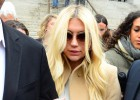 Taylor Swift respalda a Kesha con 250.000 dólares