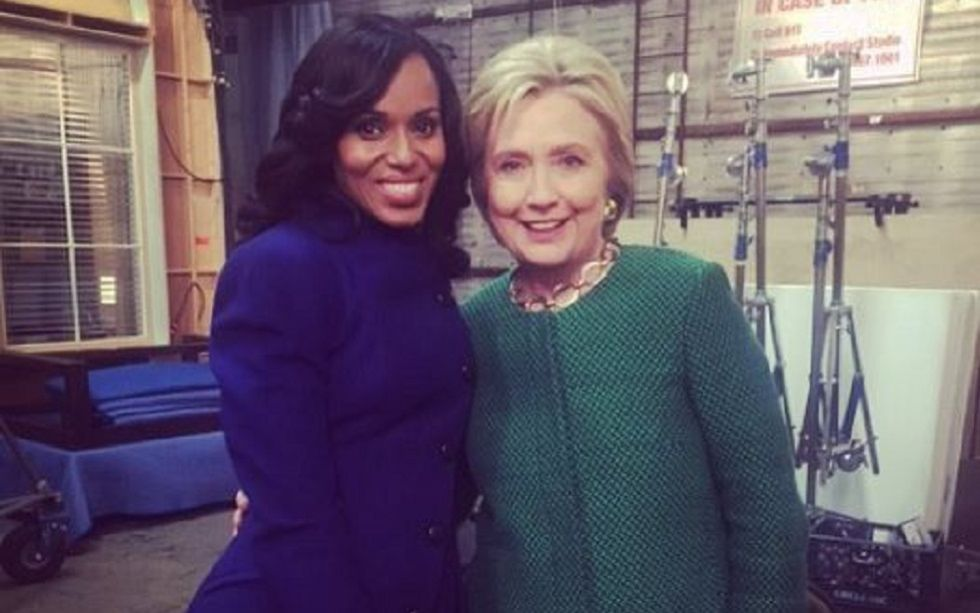 Kerry Washington, con Hillary Clinton en el plató de 'Scandal'