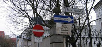 ¿Qué haría usted si tiene enfrente una de estas señales de tráfico tan raras?